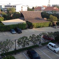 Отель The Loft Resort Bangkok парковка