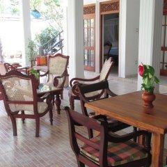 Отель Surf Villa Шри-Ланка, Хиккадува - отзывы, цены и фото номеров - забронировать отель Surf Villa онлайн питание