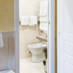 Отель Domus Trevi 3* Стандартный номер с различными типами кроватей фото 4