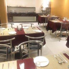 Отель B Continental Индия, Нью-Дели - отзывы, цены и фото номеров - забронировать отель B Continental онлайн питание фото 3