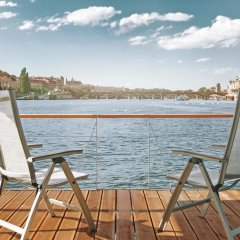 Отель VIPliving Houseboat Прага балкон