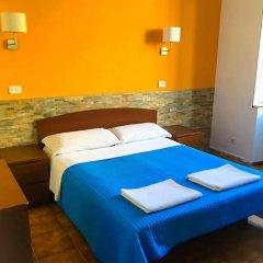 Отель Overseas Guest House Стандартный номер с двуспальной кроватью фото 7