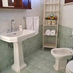 Отель La Stella di Keplero Италия, Канноле - отзывы, цены и фото номеров - забронировать отель La Stella di Keplero онлайн ванная