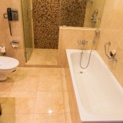 Отель Holiday Inn Istanbul Sisli ванная фото 2