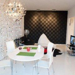 Апартаменты Art Apartment в номере