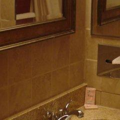 Отель Claremont Hotel Las Vegas США, Лас-Вегас - отзывы, цены и фото номеров - забронировать отель Claremont Hotel Las Vegas онлайн ванная