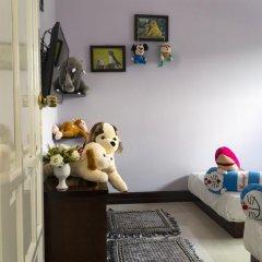 Отель The Moon Villa Hoi An 2* Стандартный семейный номер с различными типами кроватей фото 15