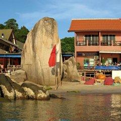Отель Narakarn Hostel Таиланд, Остров Тау - отзывы, цены и фото номеров - забронировать отель Narakarn Hostel онлайн приотельная территория фото 2