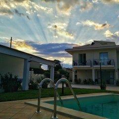 Отель Residence Villa Eva Фонтане-Бьянке бассейн фото 3