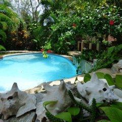 Condo-Hotel Romaya бассейн