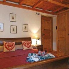 Отель Maison Colombot Италия, Аоста - отзывы, цены и фото номеров - забронировать отель Maison Colombot онлайн комната для гостей фото 3