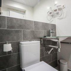 Отель Hostal CC Malasaña Номер категории Эконом с двуспальной кроватью