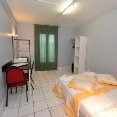 Hotel De La Poste Стандартный номер с двуспальной кроватью (общая ванная комната) фото 2