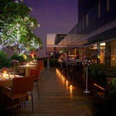 Отель Novotel Bangkok Ploenchit Sukhumvit 4* Улучшенный номер с различными типами кроватей фото 10