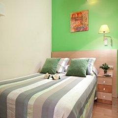 Отель Hostal Felipe 2 Стандартный номер с двуспальной кроватью (общая ванная комната) фото 4