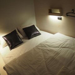 Отель Box Poshtel Phuket Стандартный номер с различными типами кроватей фото 4