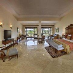 Отель The LaLiT Golf & Spa Resort Goa 5* Люкс с различными типами кроватей фото 5