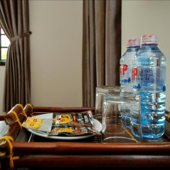 Отель Azalea Homestay 2* Улучшенный номер с различными типами кроватей фото 4