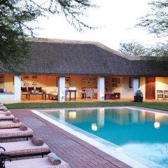 Отель Elephant House бассейн