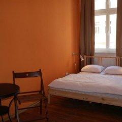 Pit Stop Hostel Стандартный номер с различными типами кроватей
