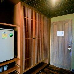Отель Tanaosri Resort 3* Улучшенный номер с различными типами кроватей фото 5
