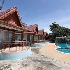 Отель Lanta Paradise Beach Resort бассейн фото 3