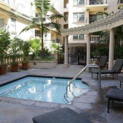 Отель Luxury Suite in Downtown Los Angeles бассейн