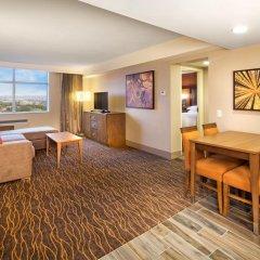 Travelodge Hotel Toronto Airport 4* Люкс с различными типами кроватей фото 3