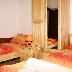 Отель Gulliver Кровать в общем номере с двухъярусной кроватью