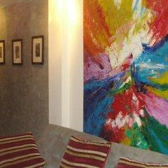Отель 3rd Street Cafe & Guesthouse развлечения