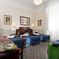 Отель Carlito Budget Rooms Кровать в общем номере с двухъярусной кроватью фото 5