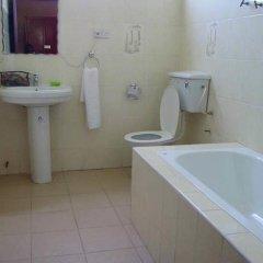 Gussys Hotel Ltd ванная