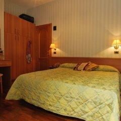 Hotel Ambrosi Фьюджи комната для гостей