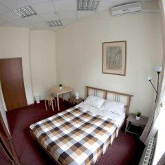 и Хостел Centeral Hotel & Hostel Номер Эконом с разными типами кроватей