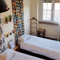 Отель O Bigode do Rato 2* Стандартный номер с 2 отдельными кроватями (общая ванная комната) фото 2
