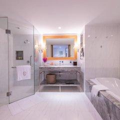 Отель lebua at State Tower 5* Люкс с двуспальной кроватью