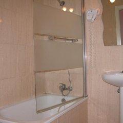 Отель Hostal Pizarro ванная фото 2