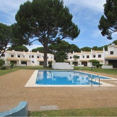 Отель Fad Villa Португалия, Виламура - отзывы, цены и фото номеров - забронировать отель Fad Villa онлайн бассейн фото 2