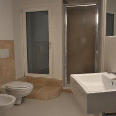 Отель Angolo Divino Италия, Лорето - отзывы, цены и фото номеров - забронировать отель Angolo Divino онлайн ванная