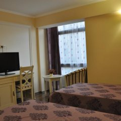 Vigo Grand Hotel 3* Улучшенный номер с двуспальной кроватью фото 3