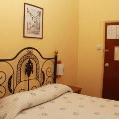 Отель Pensao Residencial Flor dos Cavaleiros 2* Стандартный номер с различными типами кроватей фото 5