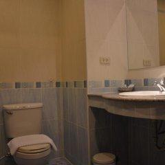 Отель Seven Oak Inn 2* Стандартный семейный номер с двуспальной кроватью фото 13
