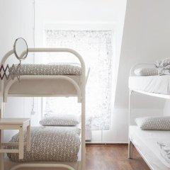 Hostel Petya and the Wolf V.O. Кровать в мужском общем номере фото 9