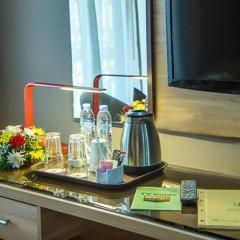 Отель Holiday International Sharjah Улучшенный номер с различными типами кроватей фото 7