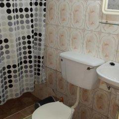 Отель Almond Tree Guest House 3* Номер Делюкс с 2 отдельными кроватями фото 3