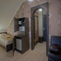 Гостиница JOY Стандартный номер с двуспальной кроватью (общая ванная комната) фото 3