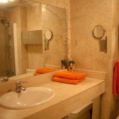 Отель Enric Granados 15 Барселона ванная фото 2