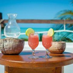 Отель Beachfront Hotel La Palapa - Adults Only Мексика, Остров Ольбокс - отзывы, цены и фото номеров - забронировать отель Beachfront Hotel La Palapa - Adults Only онлайн питание