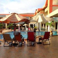 Отель Crismon Hotel Гана, Тема - отзывы, цены и фото номеров - забронировать отель Crismon Hotel онлайн бассейн