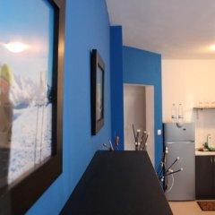 Апартаменты LazyKey Suites - Cozy Apartment with Mountain View Банско удобства в номере